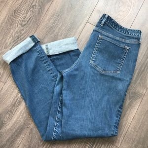 Eddie Bauer slightly curvy fit straight leg jeans
